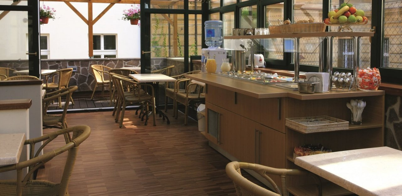 Anna hotel contact prague 02 small charming hotels for Charming small hotels
